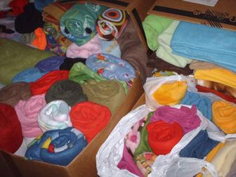 374 - fleece in several boxes/bags
