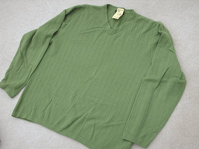 409-2 green cashmere sweater