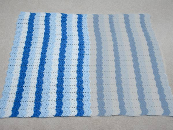 453 a vertically striped ripple