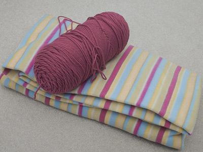 472A yarn & striped fleece