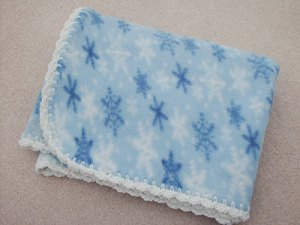 543 snowflakes fleece