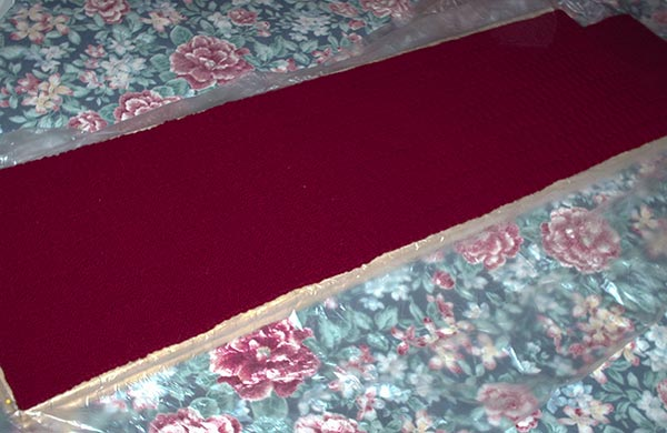 554 blocking a red scarf
