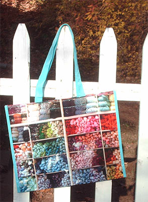 717-totes-on-fence